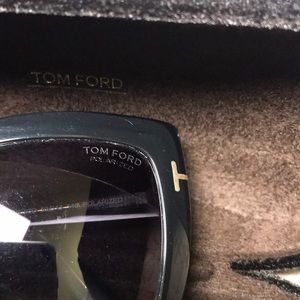 Tom Ford Accessories - Authentic Tomford TF390 polarized sunglasses